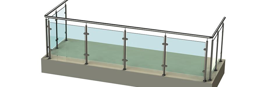 Балконные ограждения со стойками на стеклодержателях
